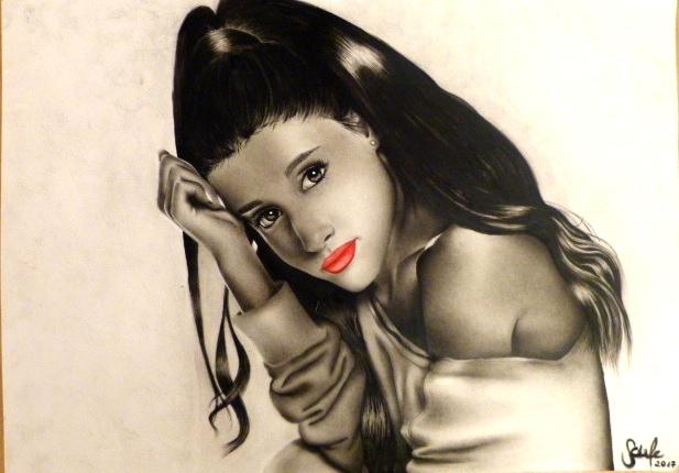 Ariana Grande by SarahMaria